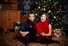 Kinderen zingen kerstliedjes
