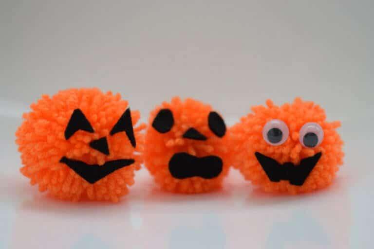 Halloween pompons