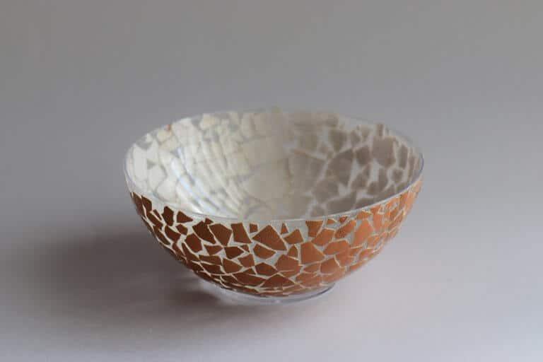 Schaaltje knutselen met eierschalen