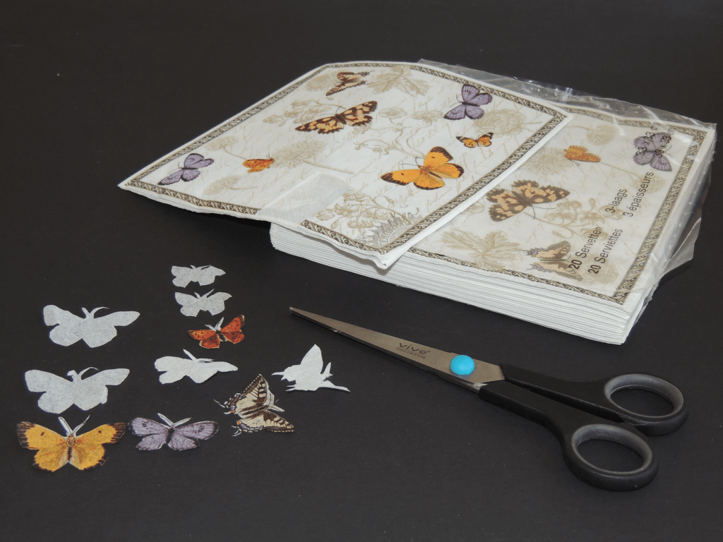 Afbeeldingen uit servetten knippen
